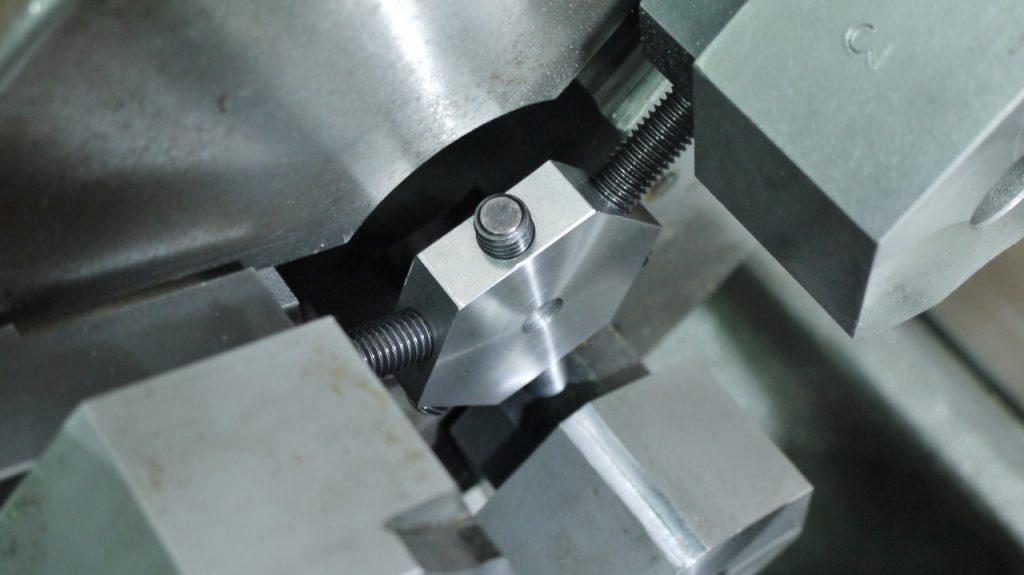 生爪成型微調整冶具カメフィットの使用実例